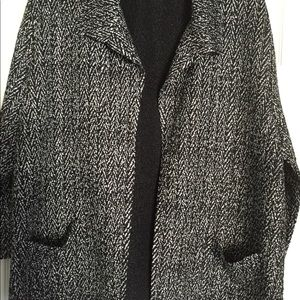 Light weight jacket with pockets